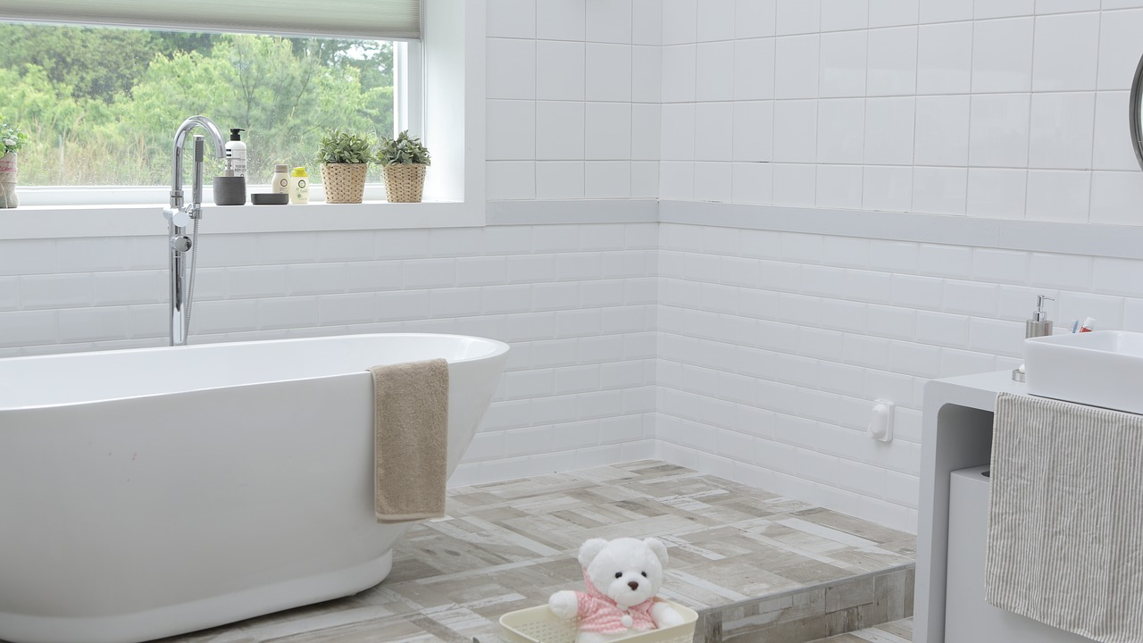 Awesome Tricks to Make Your Bathroom Look Expensive