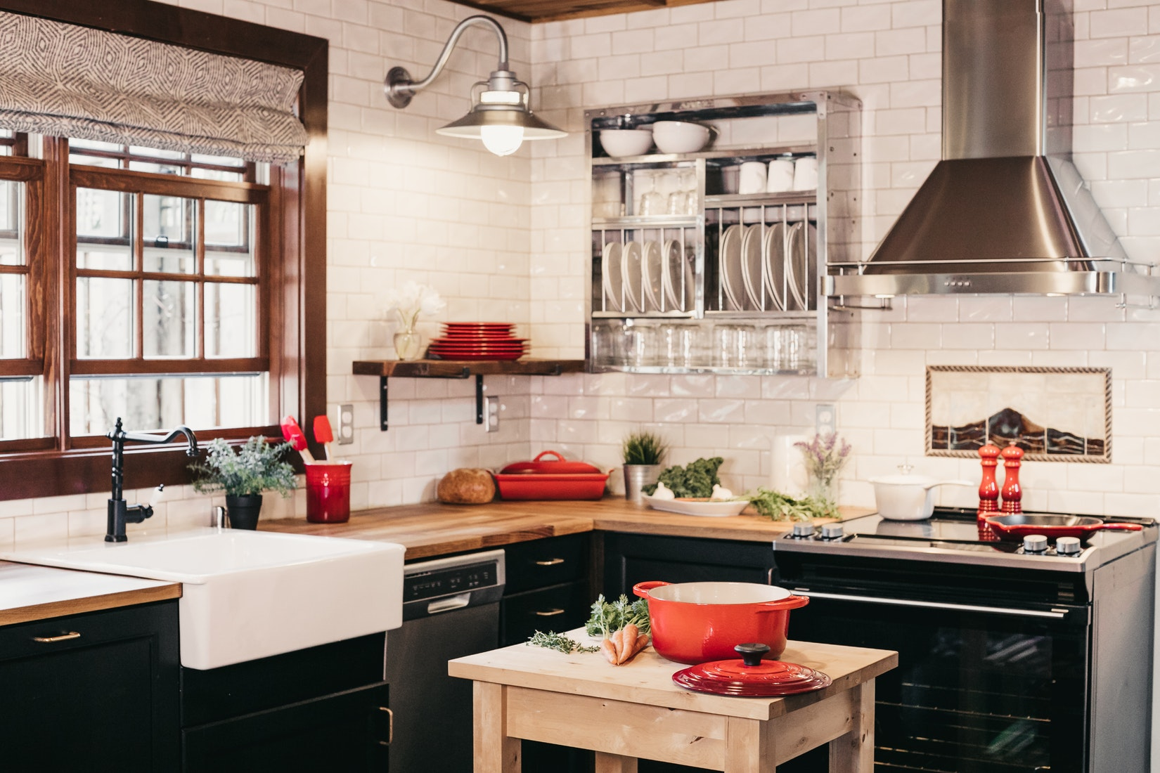 Learn How To Maximize Space In A Small Kitchen